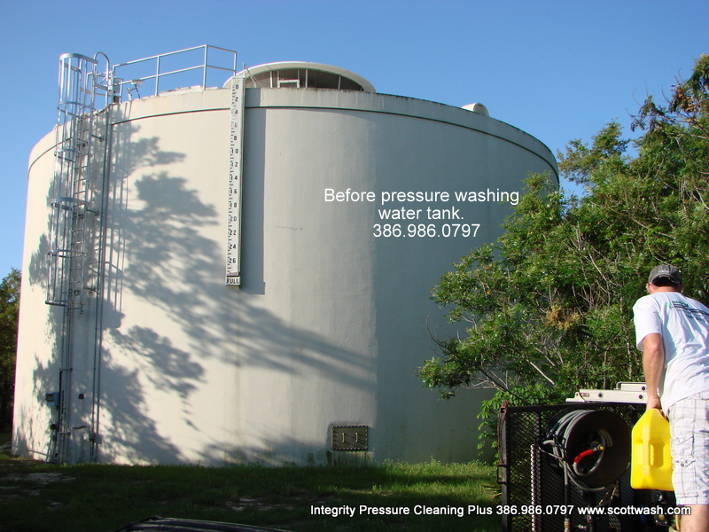 Pressure Washing Water Tanks In Flordia Integrity
